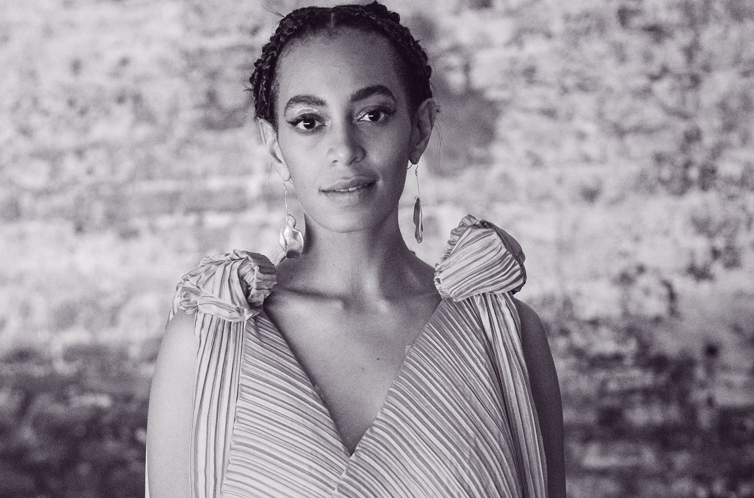 """solange-teases-new-music-and-fans-are-freaking-out"""