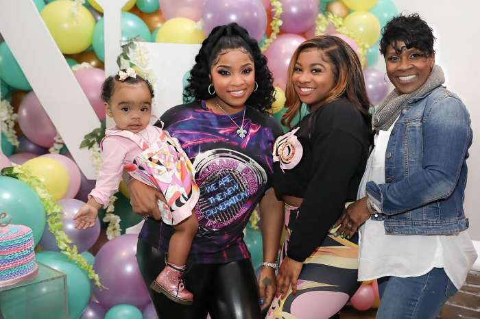 Reginae Carter Defines Family While Posing With Her Mom, Toya Wright And Baby Sister, Reigny Rushing