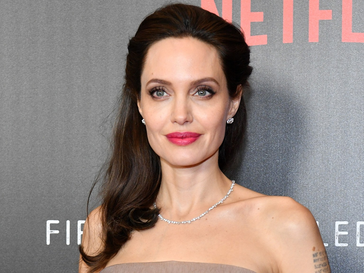 """angelina-jolie-dating-mystery-billionaire-heres-the-truth"""