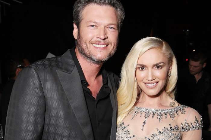 Gwen Stefani Makes Blake Shelton Blush By Doing This