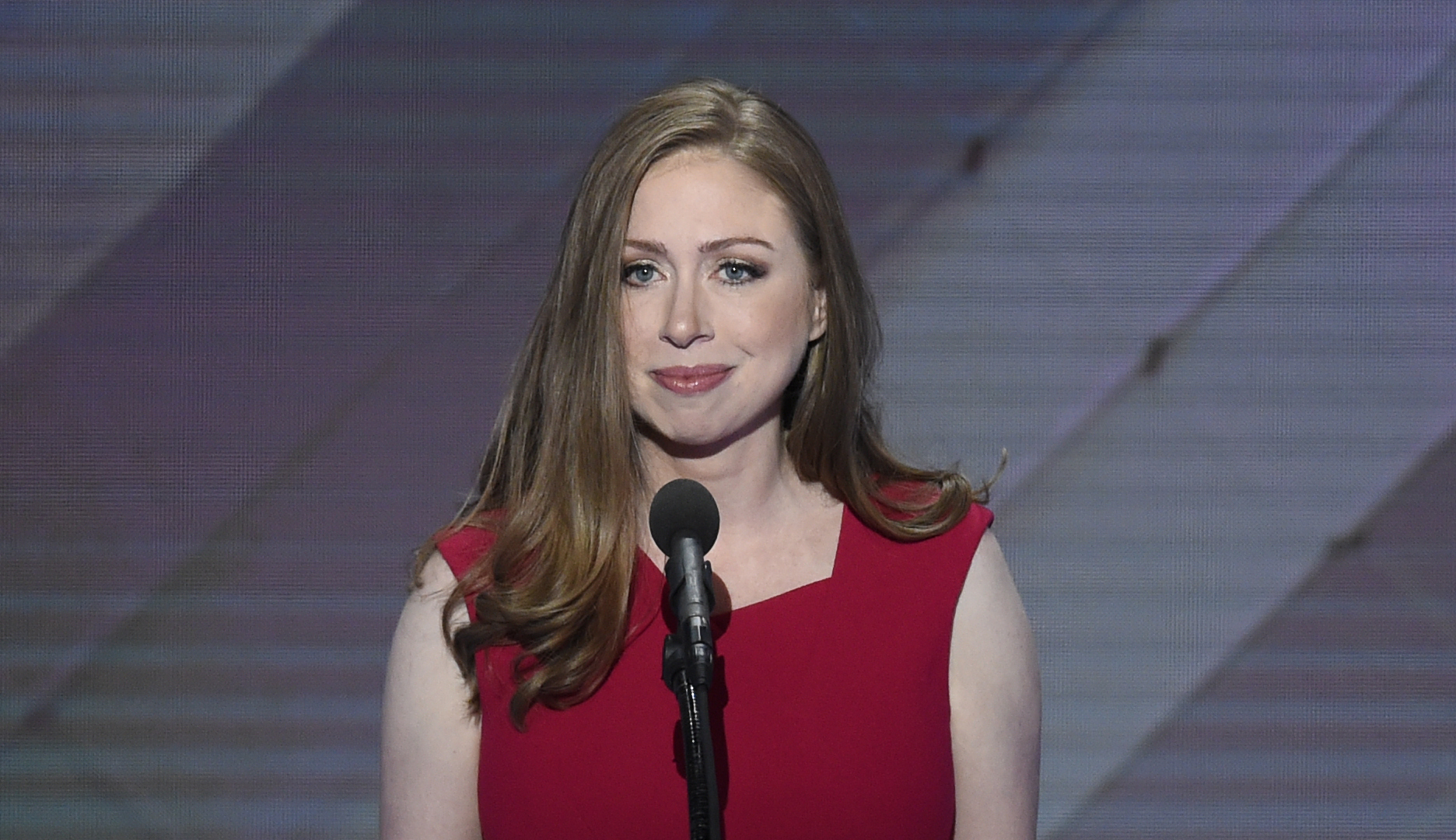 Students confront Chelsea Clinton over anti-immigrant trope