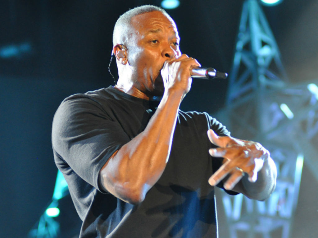 """""""dr-dre-boasts-daughter-accepted-to-usc-on-her-own-but-what-about-his-70-million-donation"""""""