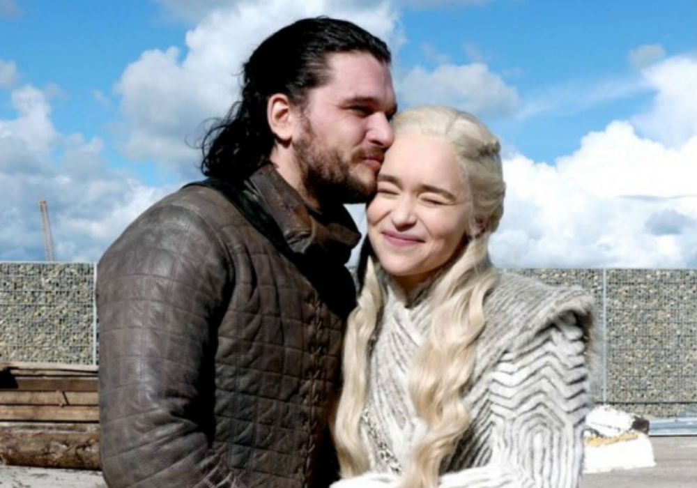 """game-of-thrones-star-kit-harington-reveals-jon-snow-is-in-love-with-daenerys-but-there-is-a-sledgehammer-coming"""