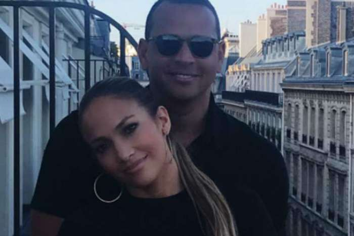 Jennifer Lopez And Alex Rodriguez Engaged See Her Massive Ring