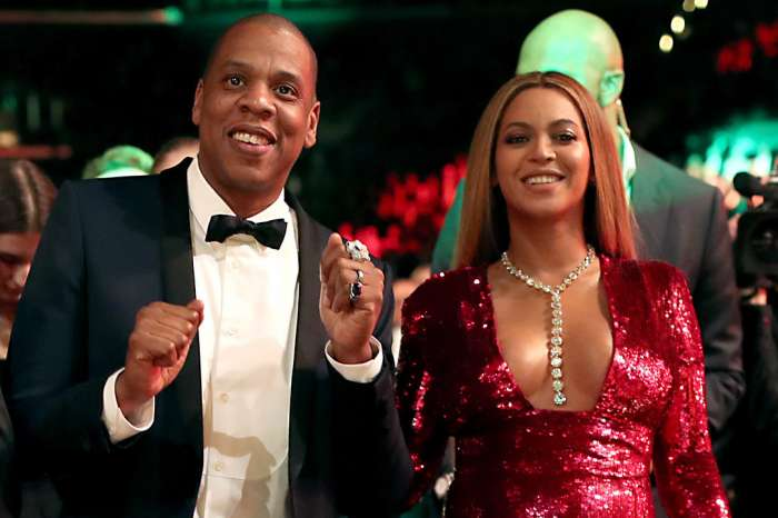 Jay Z Raves Over All The 'Strong Women' In His Life During NAACP Award Acceptance