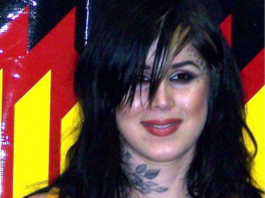 """kat-von-d-slams-rumors-she-is-an-anti-vaxxer-and-a-nazi"""