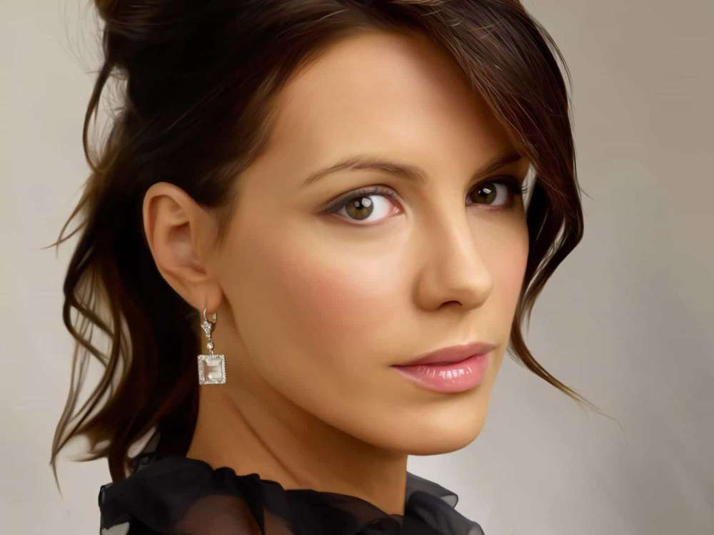 kate-beckinsale-dishes-on-pete-davidson-romance-in-new-interview