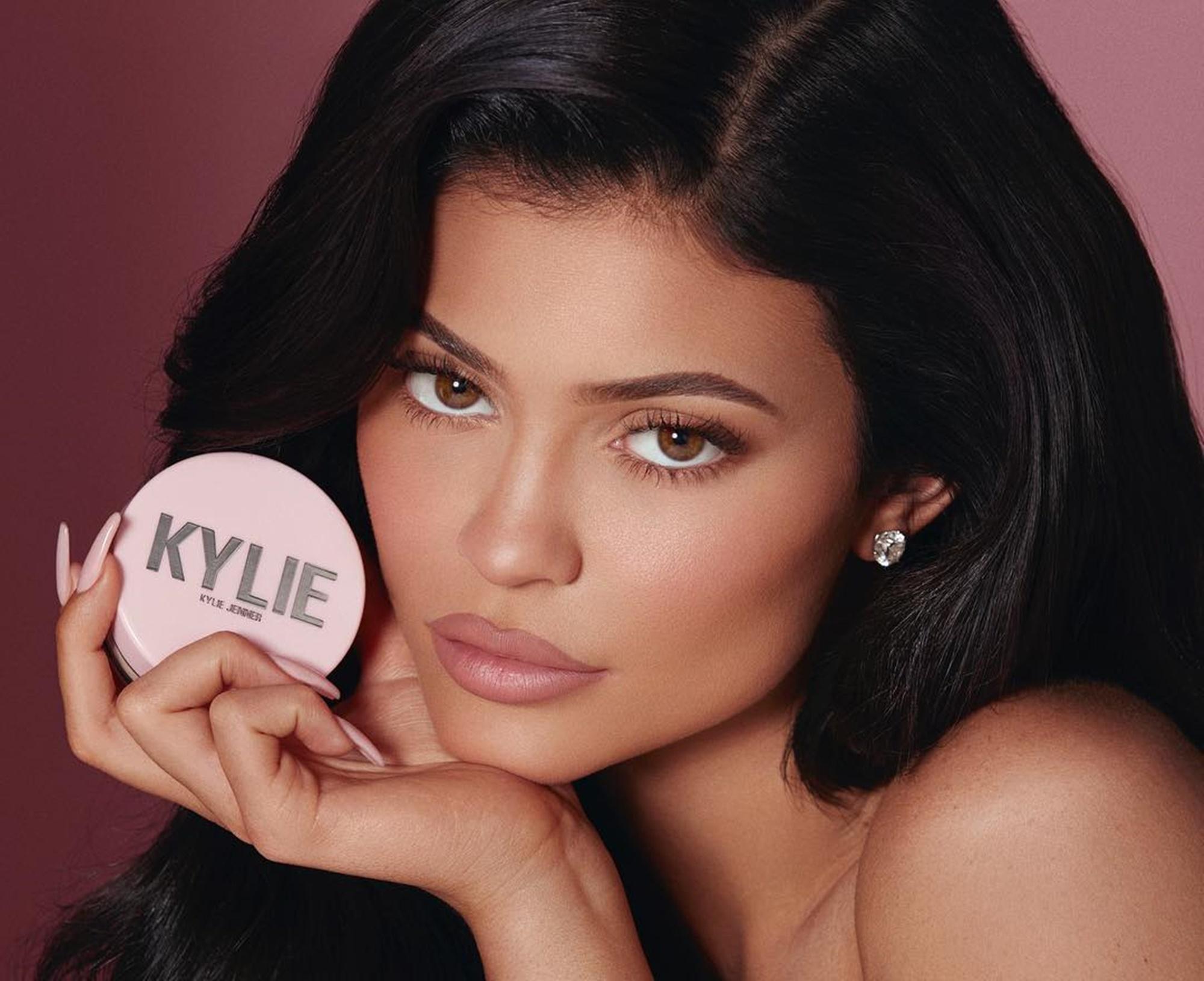 Kylie Jenner Khloe Kardashian Travis Scott