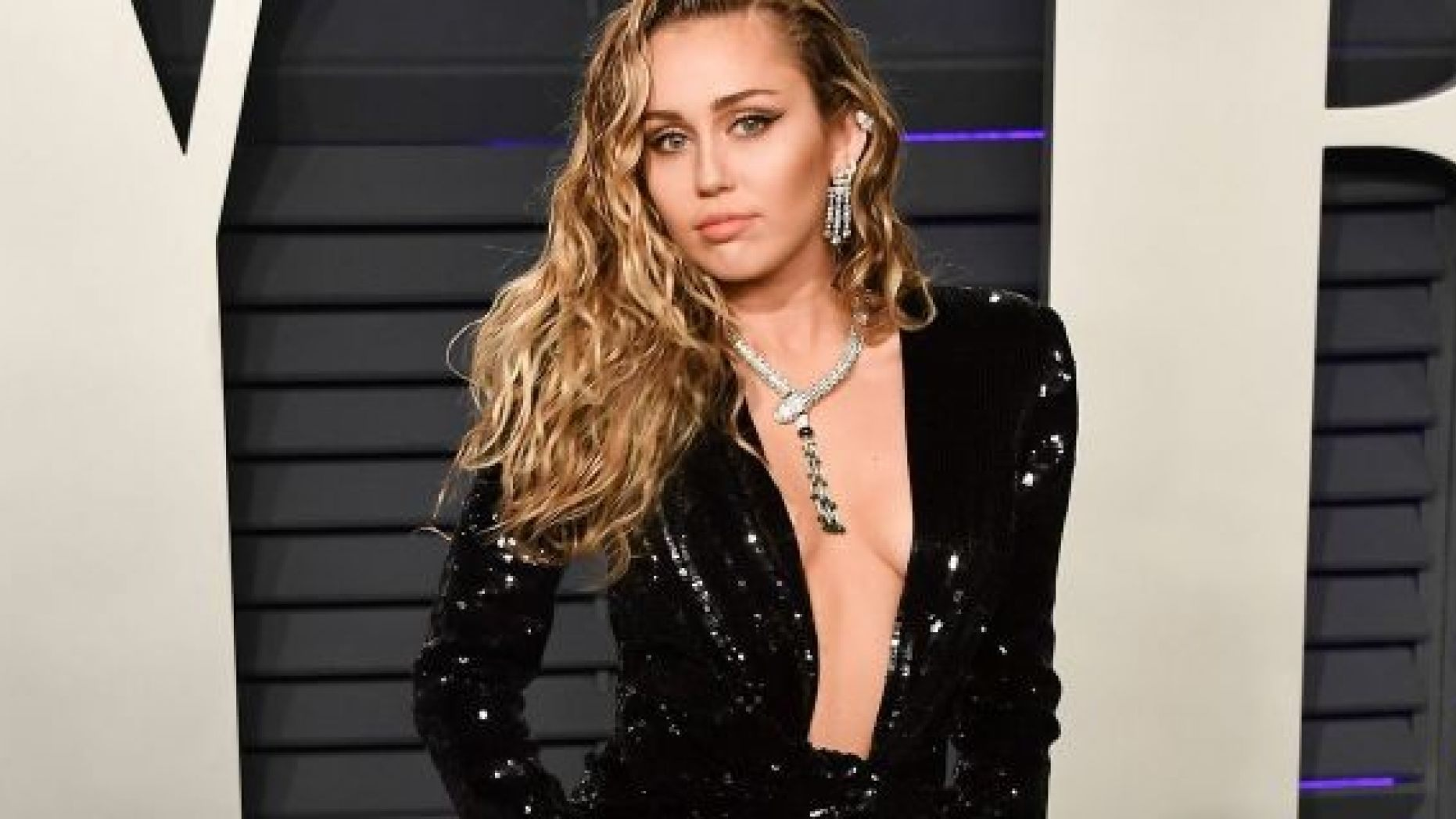 miley-cyrus-is-not-against-hannah-montana-being-rebooted-source-says-jonas-brothers-comeback-convinced-her