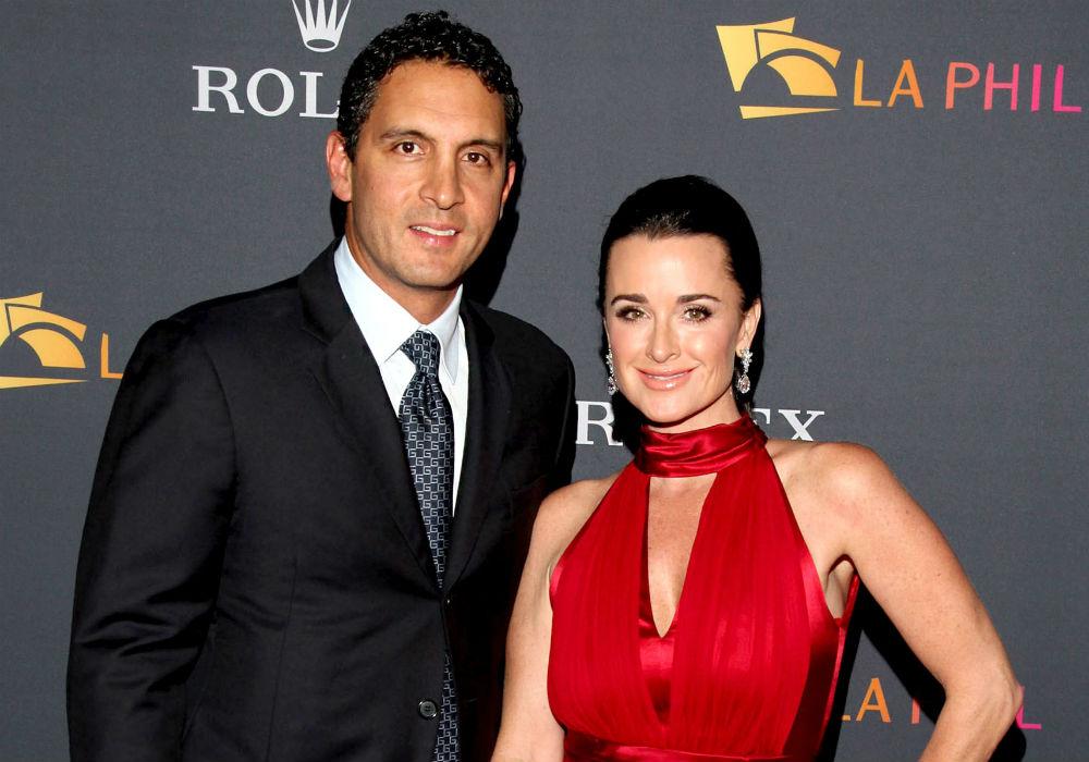 """rhobh-kyle-richards-husband-mauricio-umansky-sued-for-fraud-over-32-million-mansion-deal"""