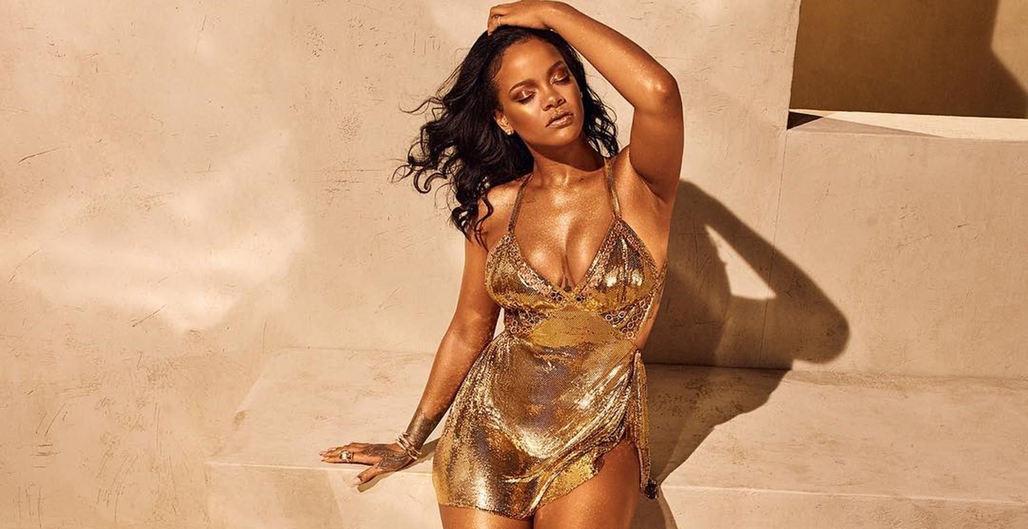 """""""chris-brown-is-going-crazy-over-rihannas-latest-photo-where-she-is-dripping-gold-should-hassan-jameel-be-worried"""""""