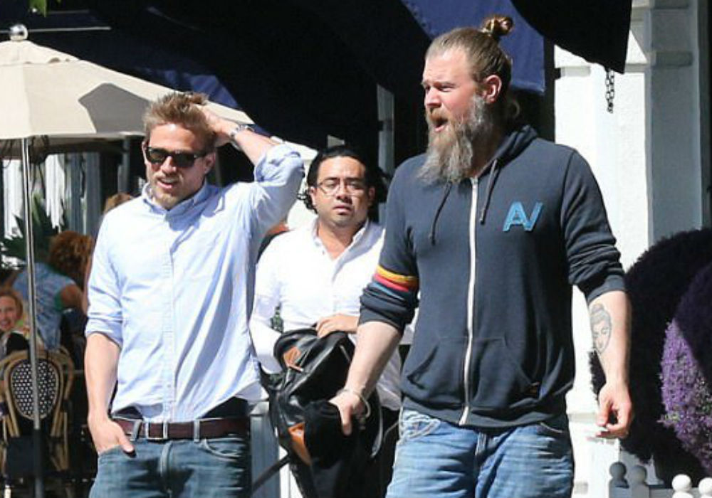 """triple-frontier-star-charlie-hunnam-to-teach-a-yoga-class-with-his-sons-of-anarchy-co-star-ryan-hurst"""