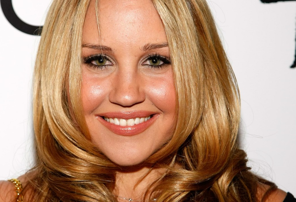 Amanda Bynes Suffers Relapse, Enters Mental Health Facility