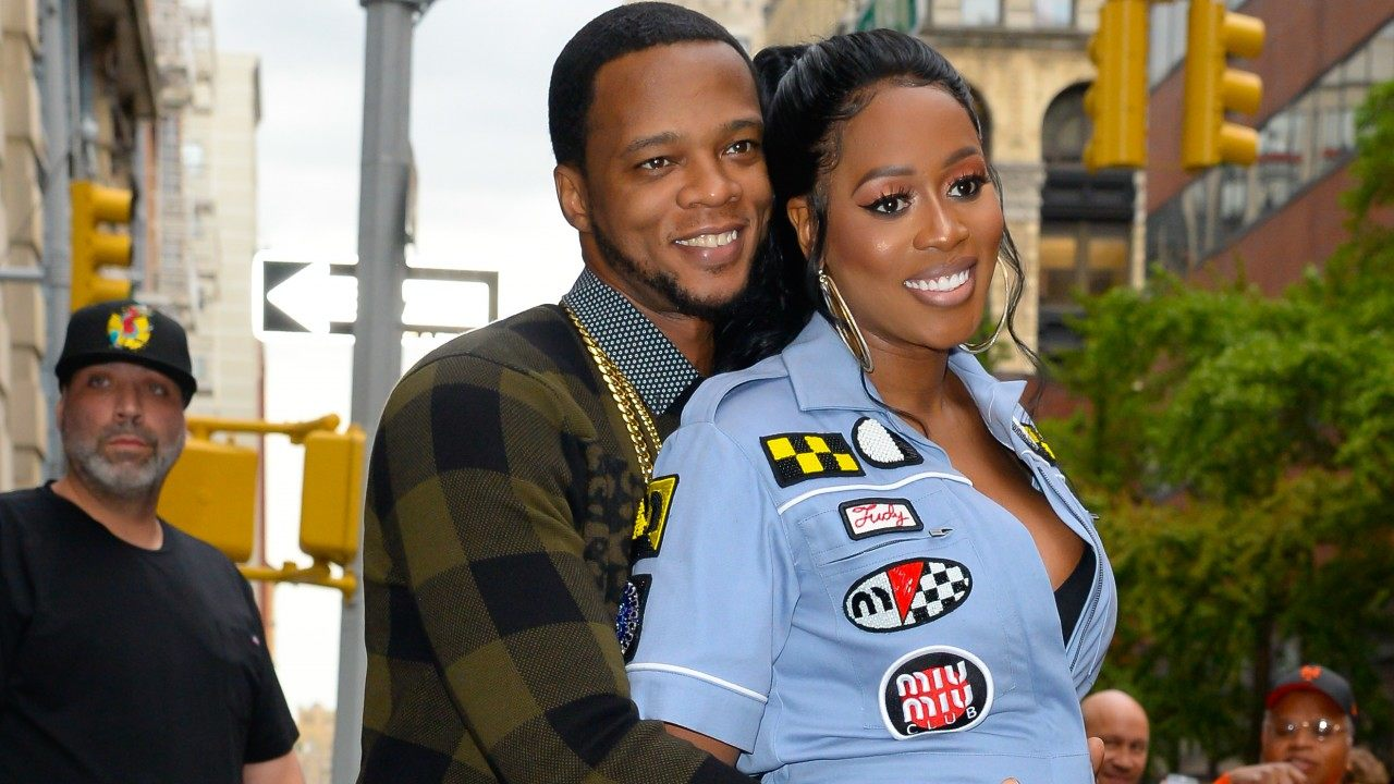 papoose-has-fans-telling-him-hes-everything-a-man-should-aspire-to-be-hes-feeding-the-golden-child-while-his-wife-remy-ma-is-recording-new-music-check-out-the-sweet-photo