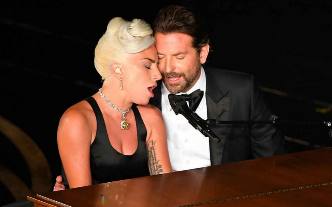 """""""lady-gaga-latest-photo-of-bradley-cooper-with-lipstick-on-his-face-goes-viral"""""""
