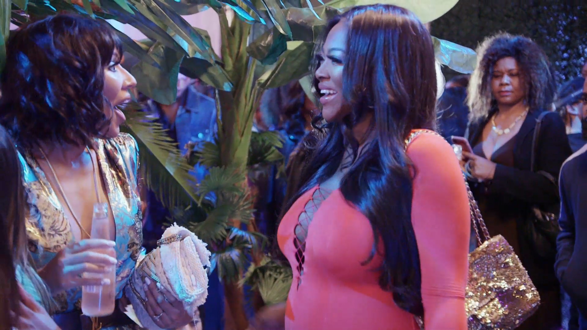 Kenya Moore's Fans Are In Awe After She Appeared On RHOA - People Say She Shades 'Like No Other'