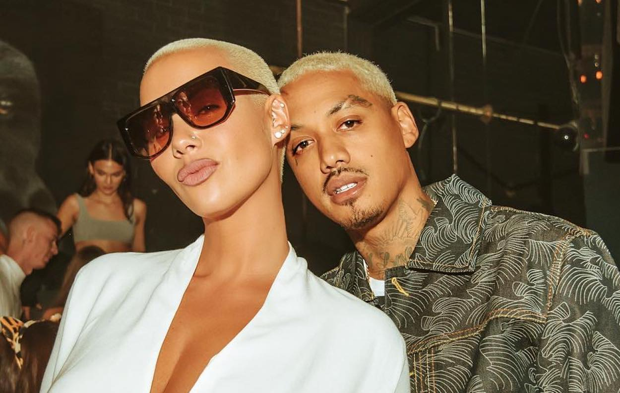 amber-rose-bashes-her-friends-for-not-being-there-for-her-rough-pregnancy