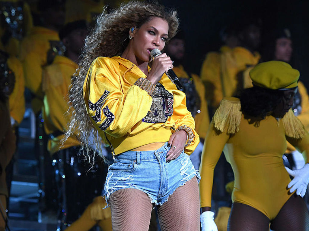 Netflix Teases New 'Homecoming' Documentary And Beyoncé ... Beyonce Homecoming