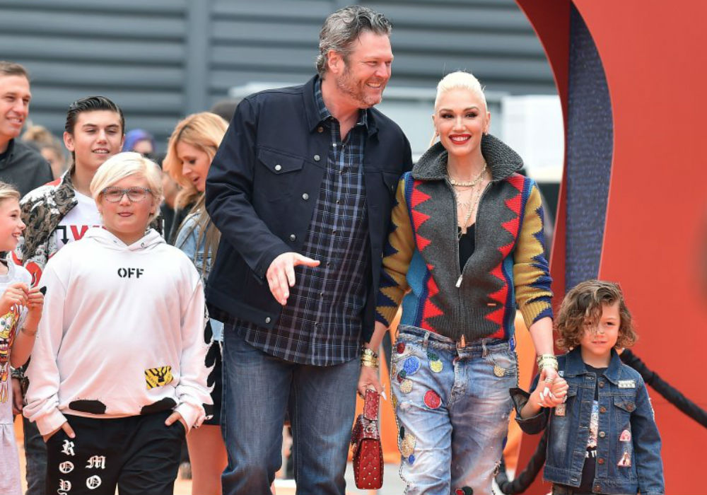 """blake-shelton-and-gwen-stefani-are-one-big-happy-family-with-her-boys-on-date-night"""