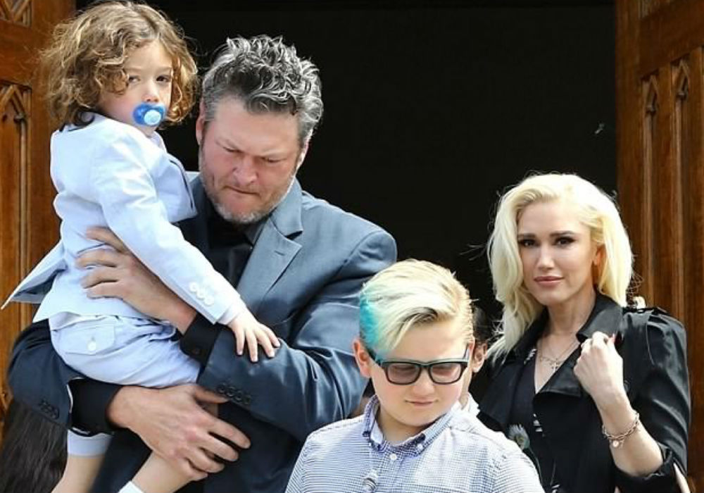 blake-shelton-and-gwen-stefani-spent-easter-as-one-big-happy-family-with-her-boys