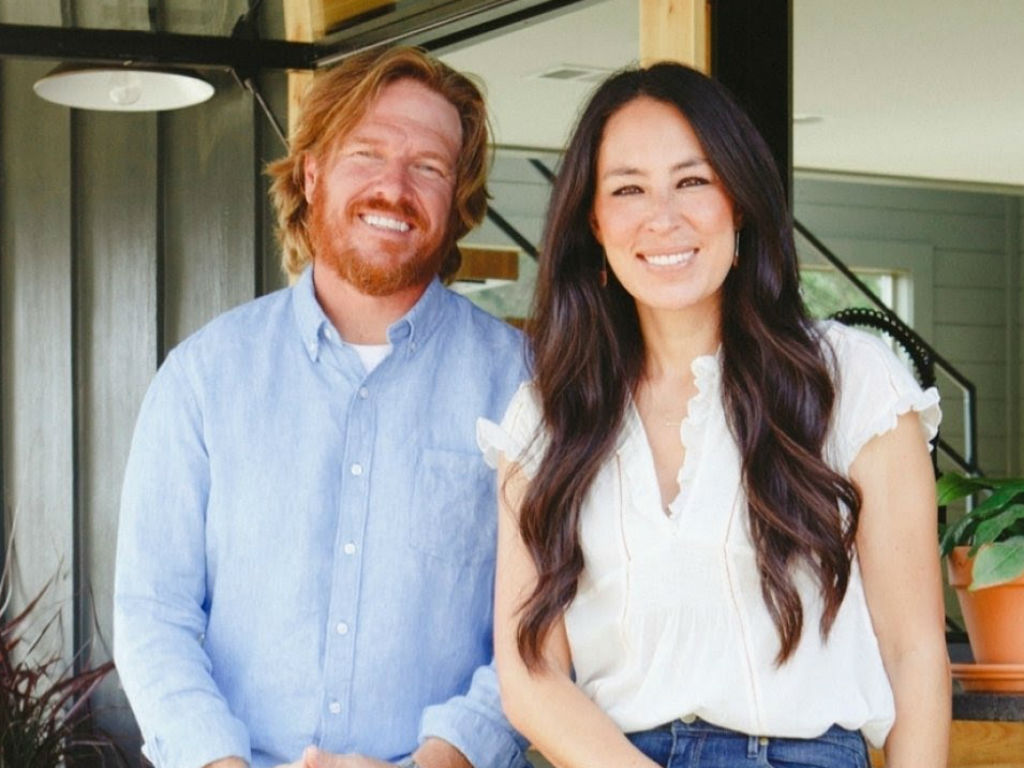 """chip-and-joanna-gaines-tv-comeback-what-can-fans-expect-from-their-new-network"""