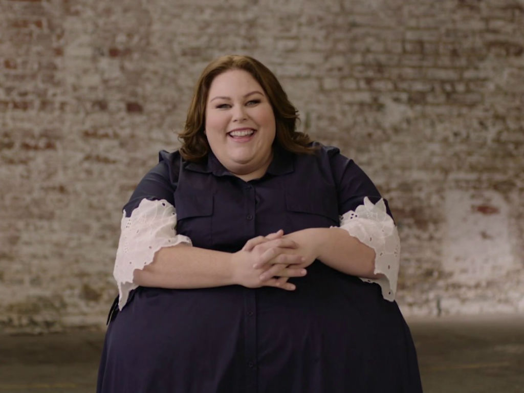 chrissy-metz-delivers-must-see-performance-at-acm-awards-with-carrie-underwood-and-more
