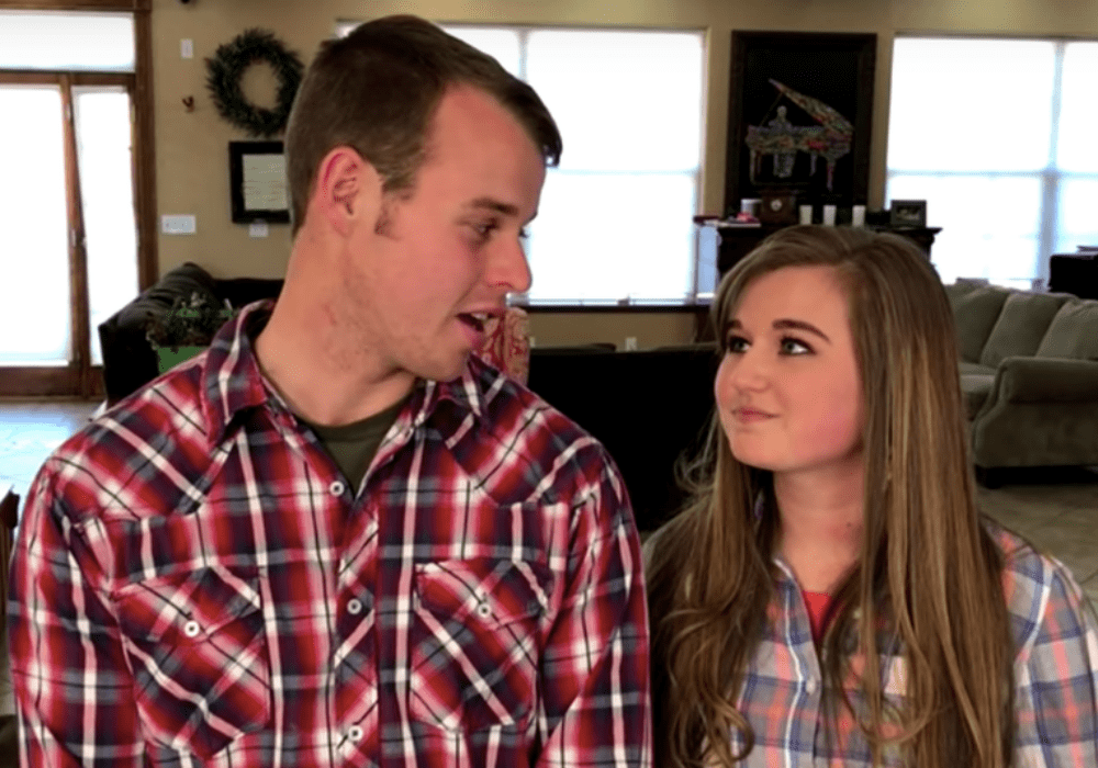 """counting-on-star-kendra-caldwell-shows-off-her-growing-baby-bump-in-new-photos-with-joseph-duggar"""