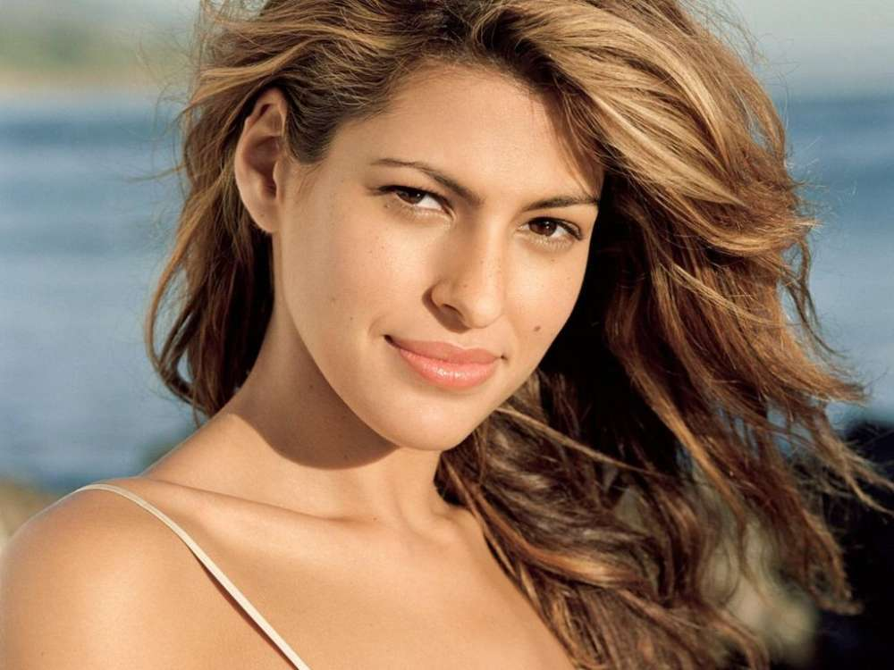 Eva Mendes Says That S...
