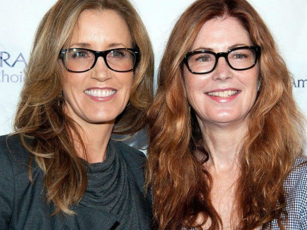 felicity-huffmans-desperate-housewives-costar-dana-delany-reveals-how-actress-is-handling-college-admissions-scandal