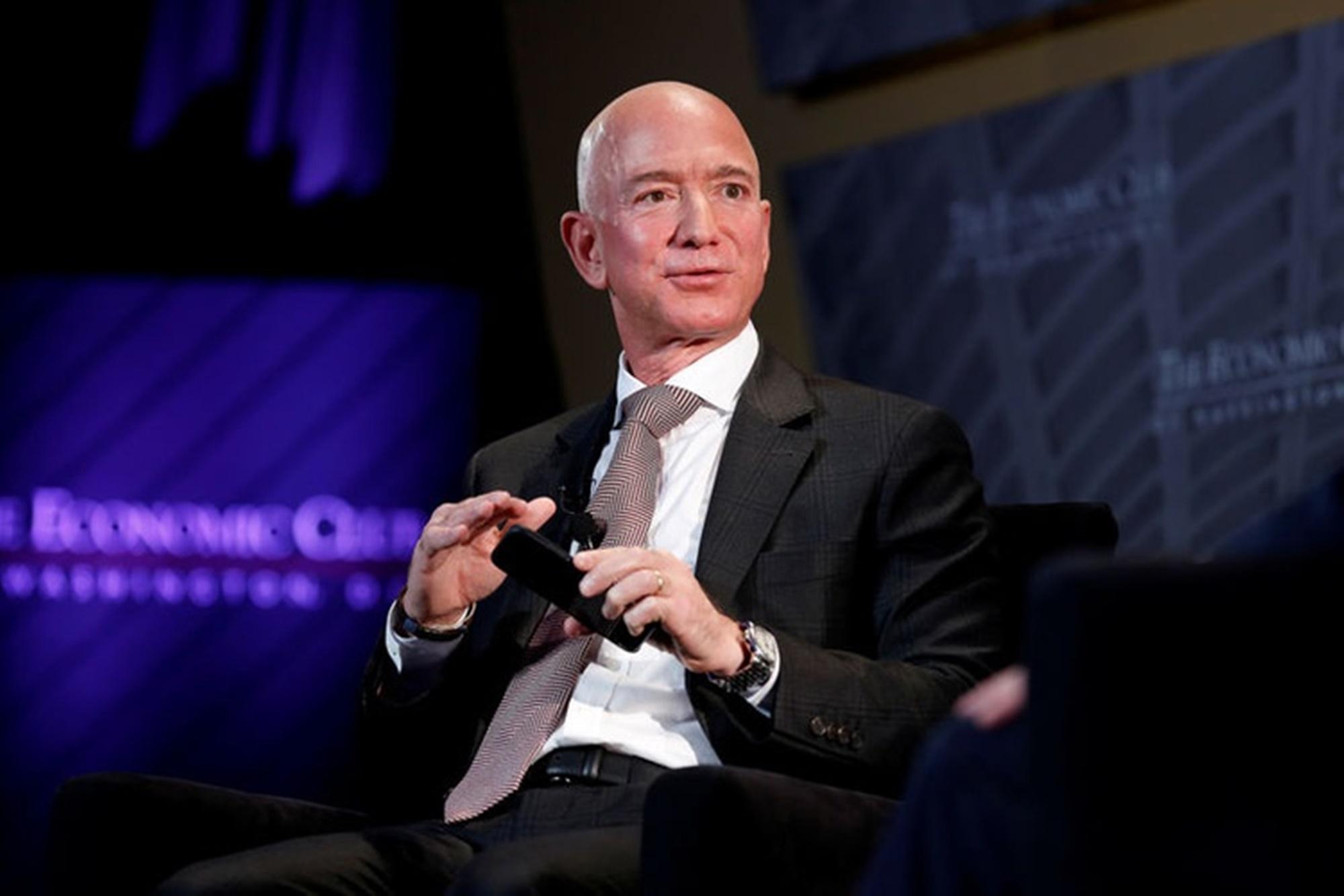 Jeff Bezos Saudi Arabia Device