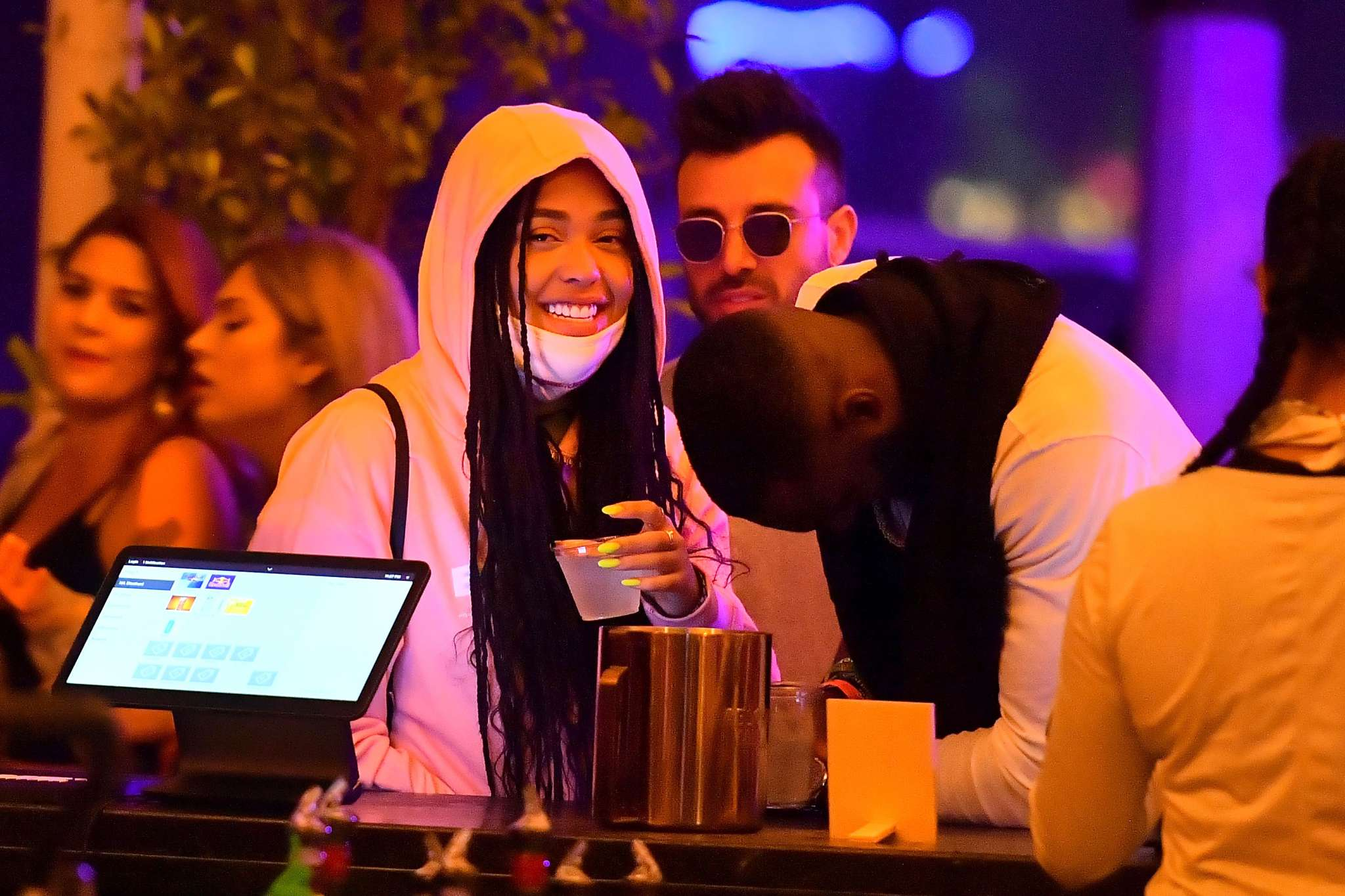 Jordyn Woods Runs Into Kendall Jenner And Hailey Baldwin At Coachella And She's Reportedly 'Uncomfortable'