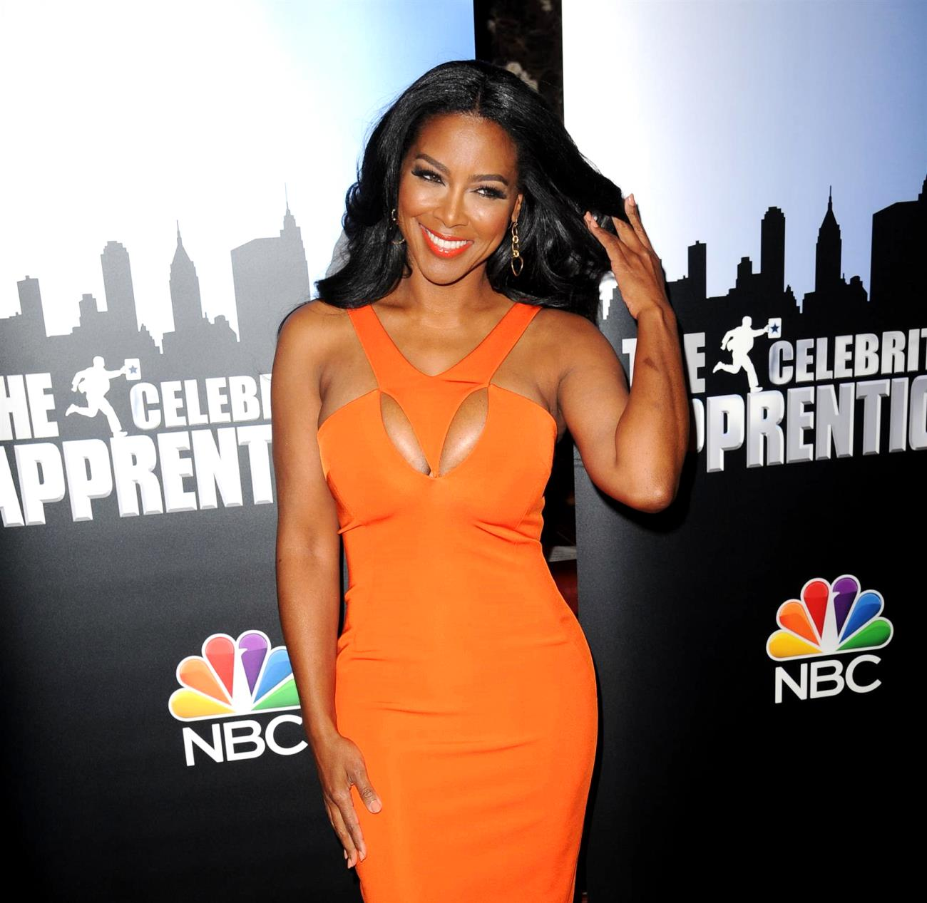 Kenya Moore Tells Fans To Join Her In Getting Back In Shape - Her Jaw-Dropping Photo Has People Praising Her Looks