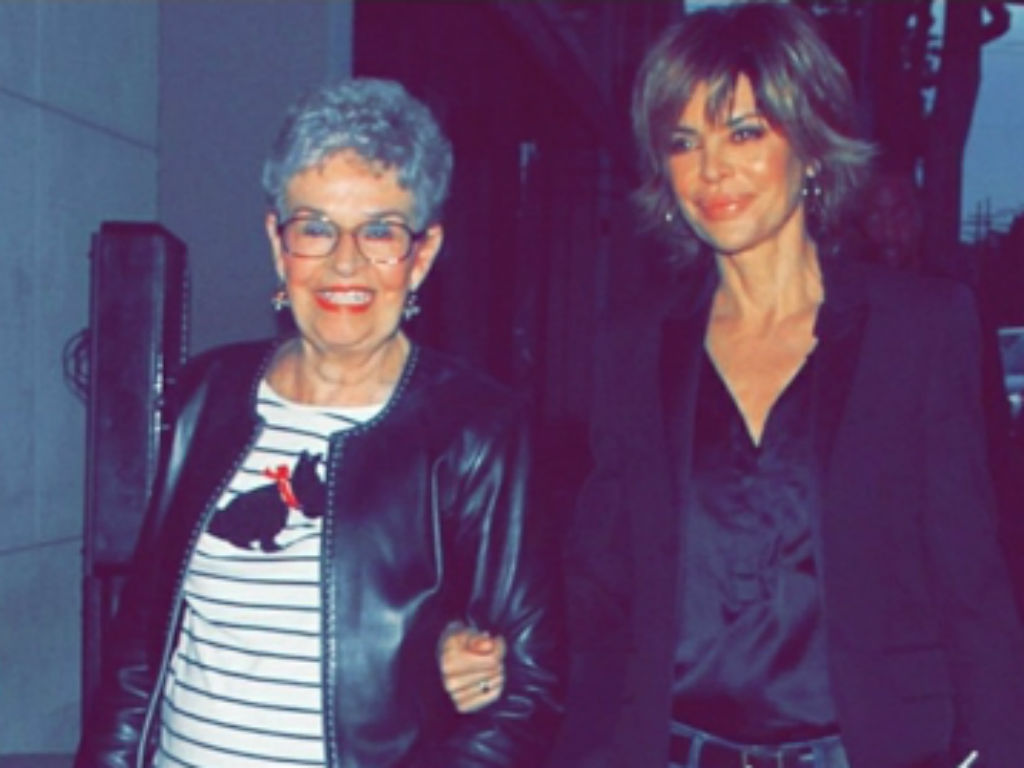 rhobh-lisa-rinna-reveals-her-mother-lois-near-fatal-encounter-with-famous-serial-killer