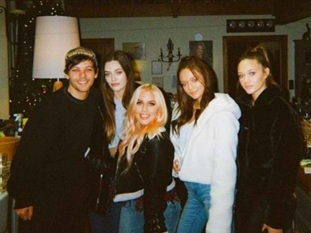 louis-tomlinson-speaks-out-one-month-after-sister-felicite-tomlinsons-sudden-death