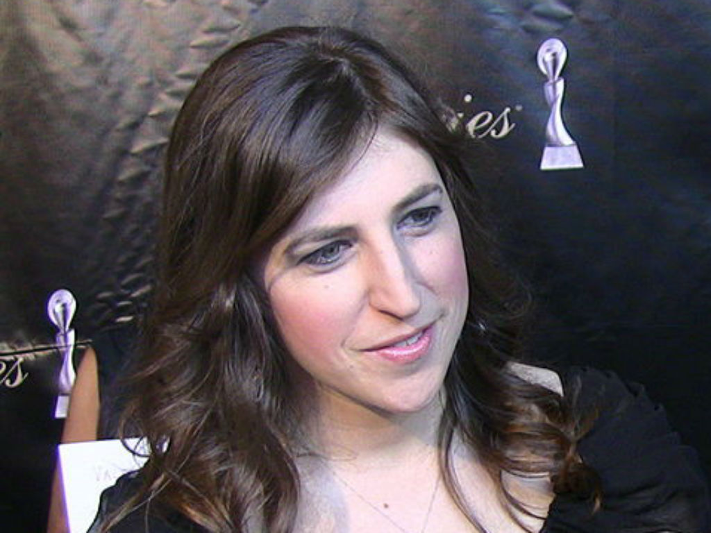the-big-bang-theory-star-mayim-bialik-gets-real-about-hangovers-and-age-in-relatable-blog-post