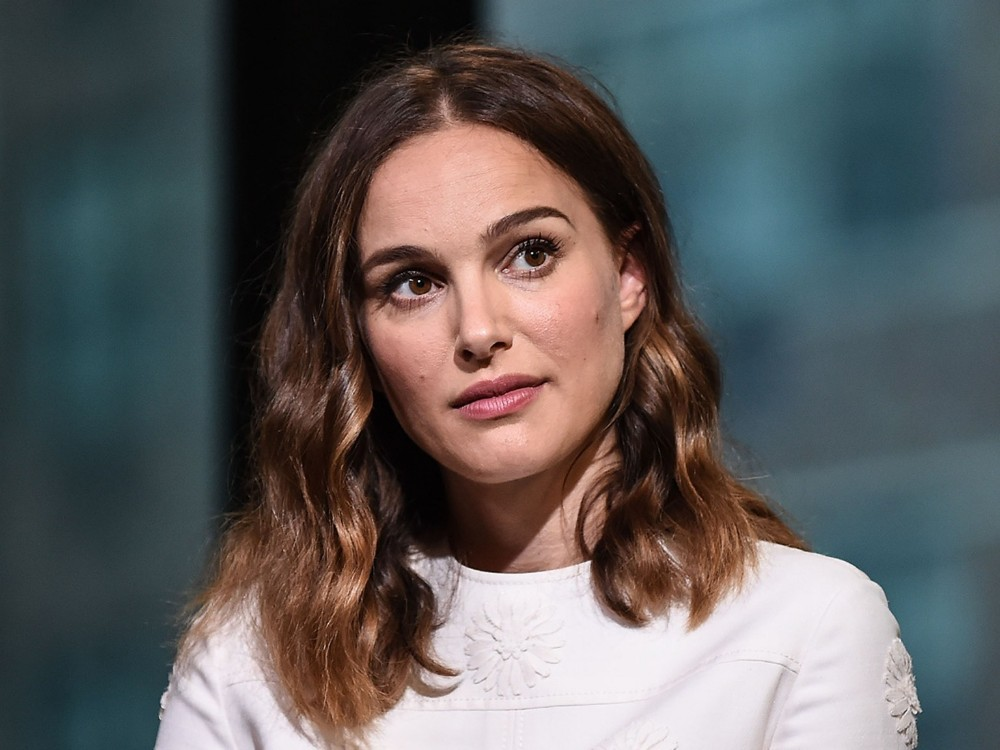 natalie-portman-will-narrate-upcoming-disney-movie-dolphin-reef-disneynature-films