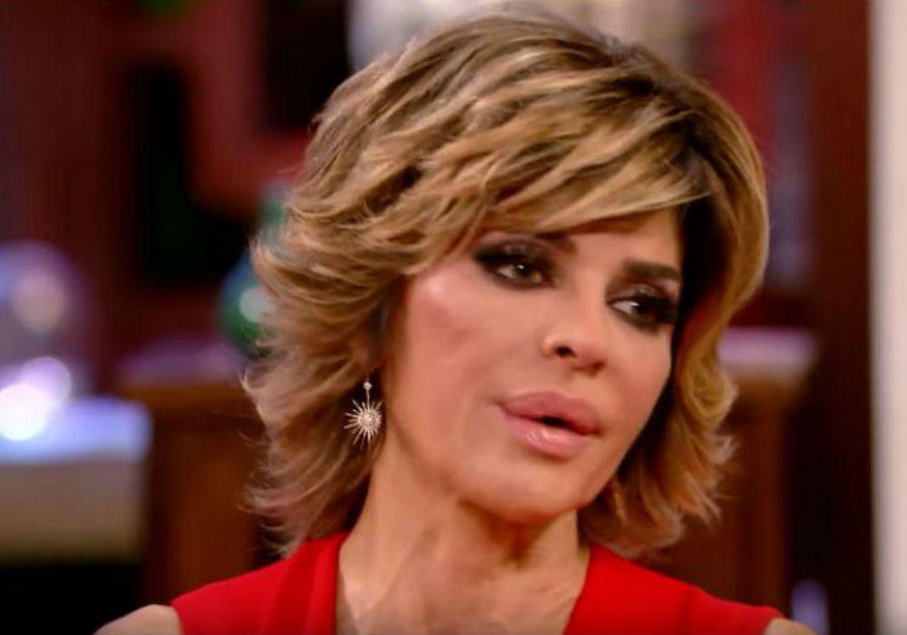 """rhobh-lisa-rinna-denies-she-is-the-one-who-leaked-the-lucy-lucy-apple-juicy-story"""