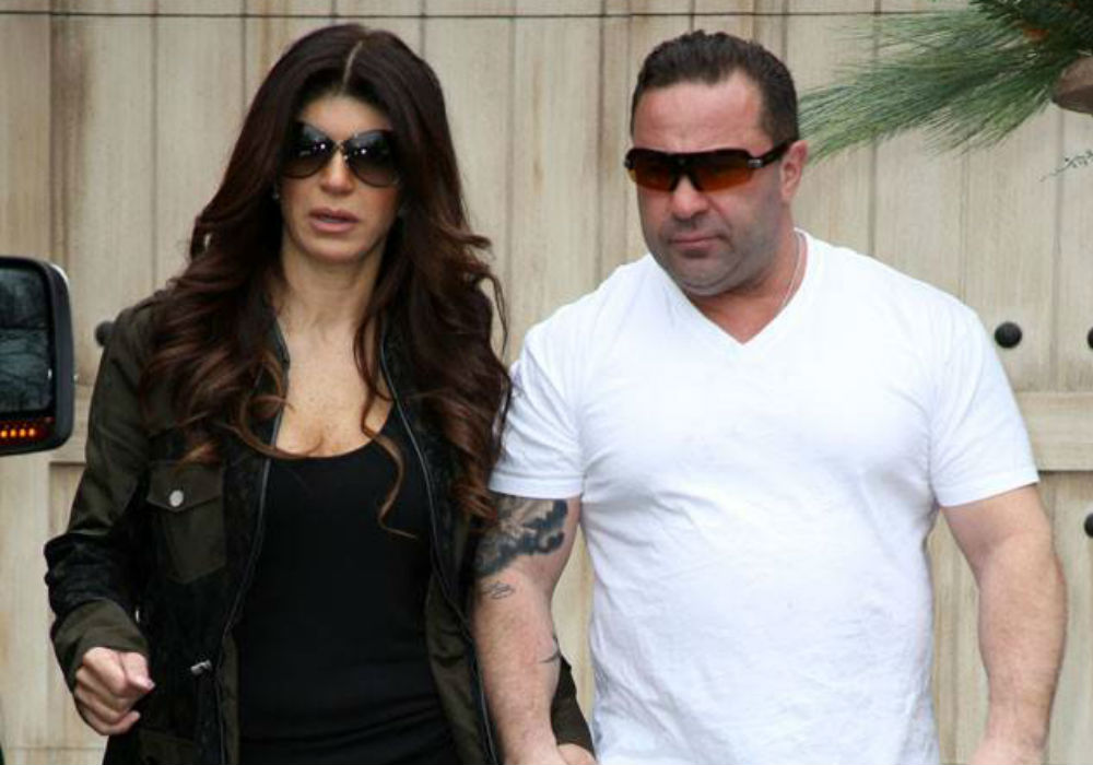 RHONJ Star Teresa Giudice Flys Off On $20,000 Trip While Juicy Joe Rots In Ice Detention Center