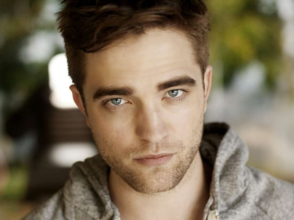 robert-pattinson-dishes-on-the-pay-gap-between-men-and-women-in-hollywood