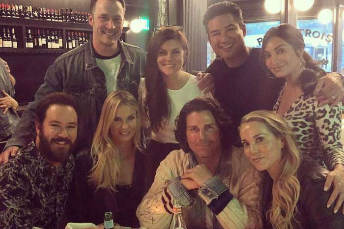 'Saved by the Bell' Cast Has Mini Reunion Leaving Fans Longing For The Days Of Bayside High