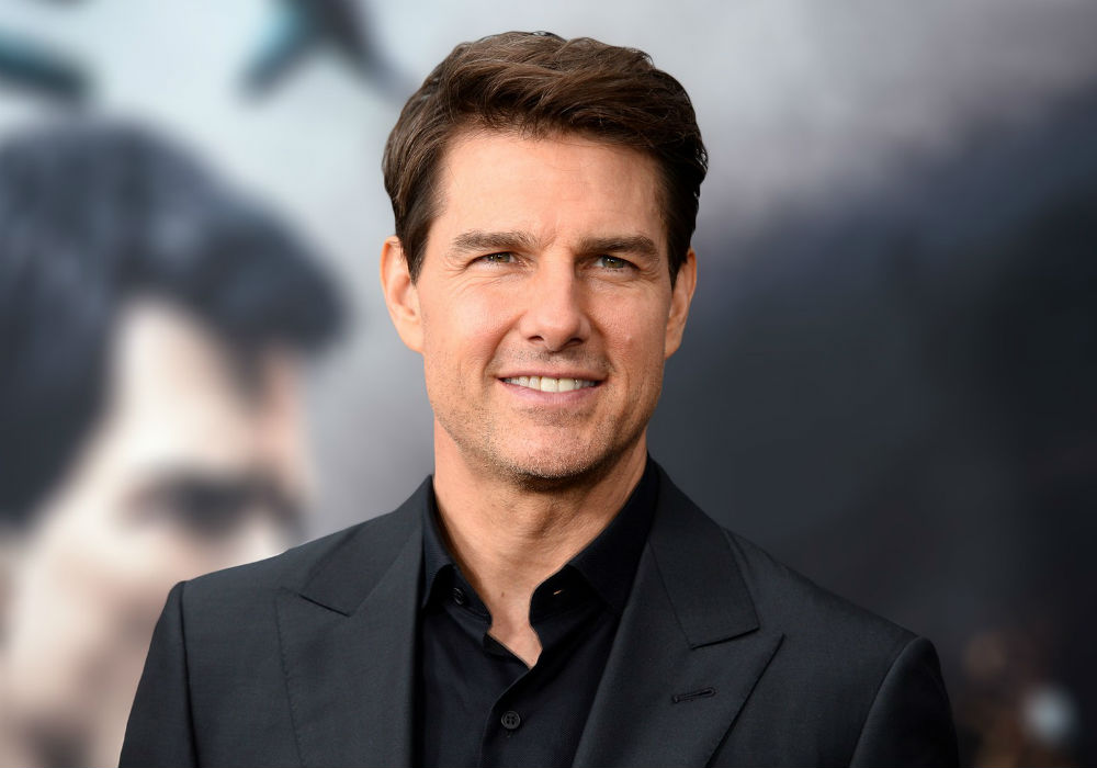 scientologists-are-forced-to-watch-diety-tom-cruises-films-over-and-over