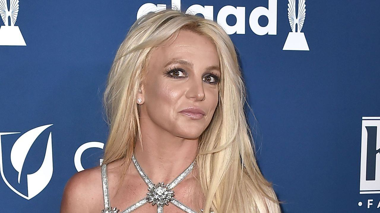 britney-spears-beau-sam-asghari-assures-fans-nobody-needs-to-worry-about-her-while-in-health-facility-the-singer-is-doing-amazing