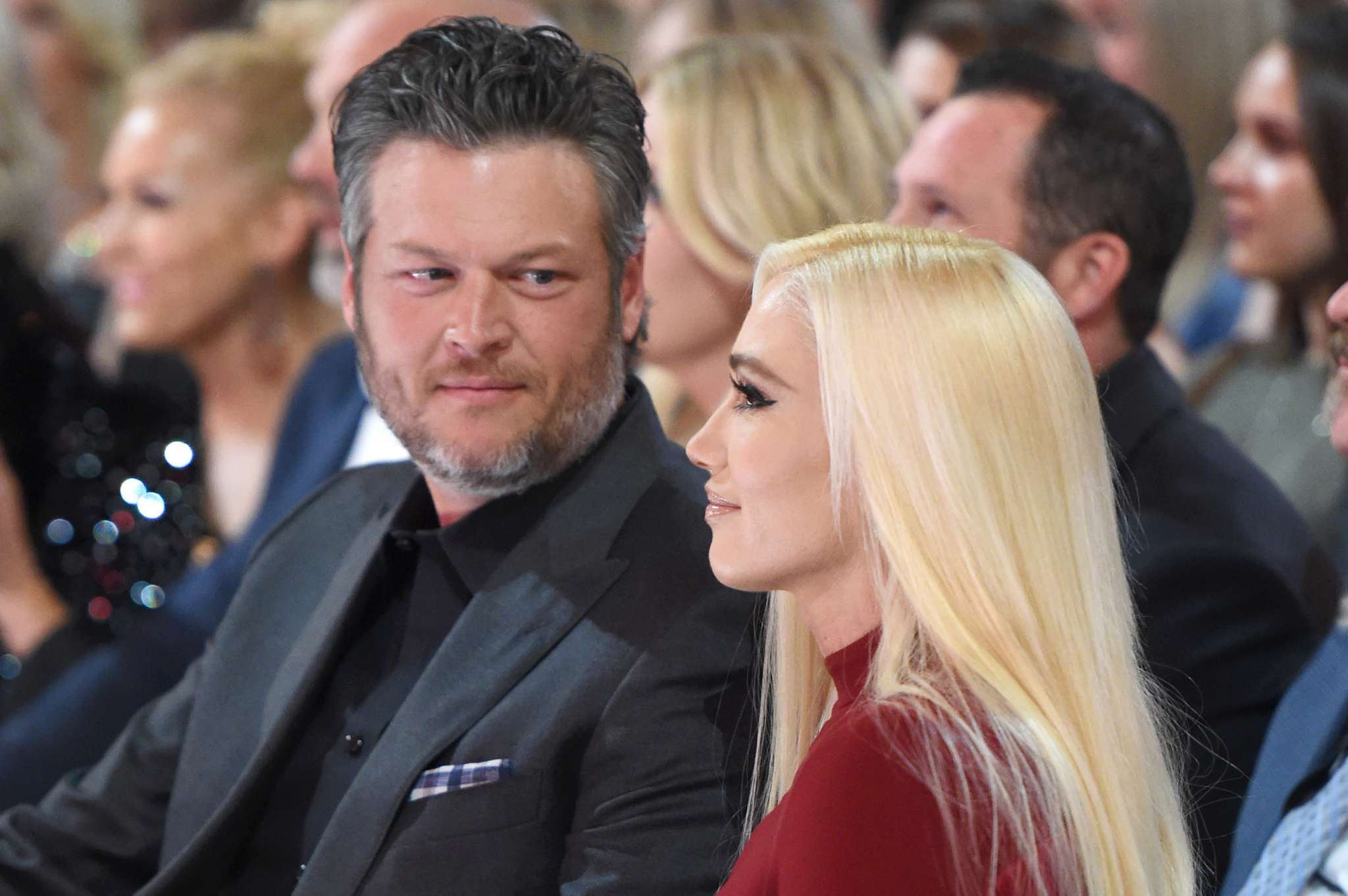 blake-shelton-is-beyond-grateful-gwen-stefani-chose-to-come-cheer-for-him-at-the-acm-awards