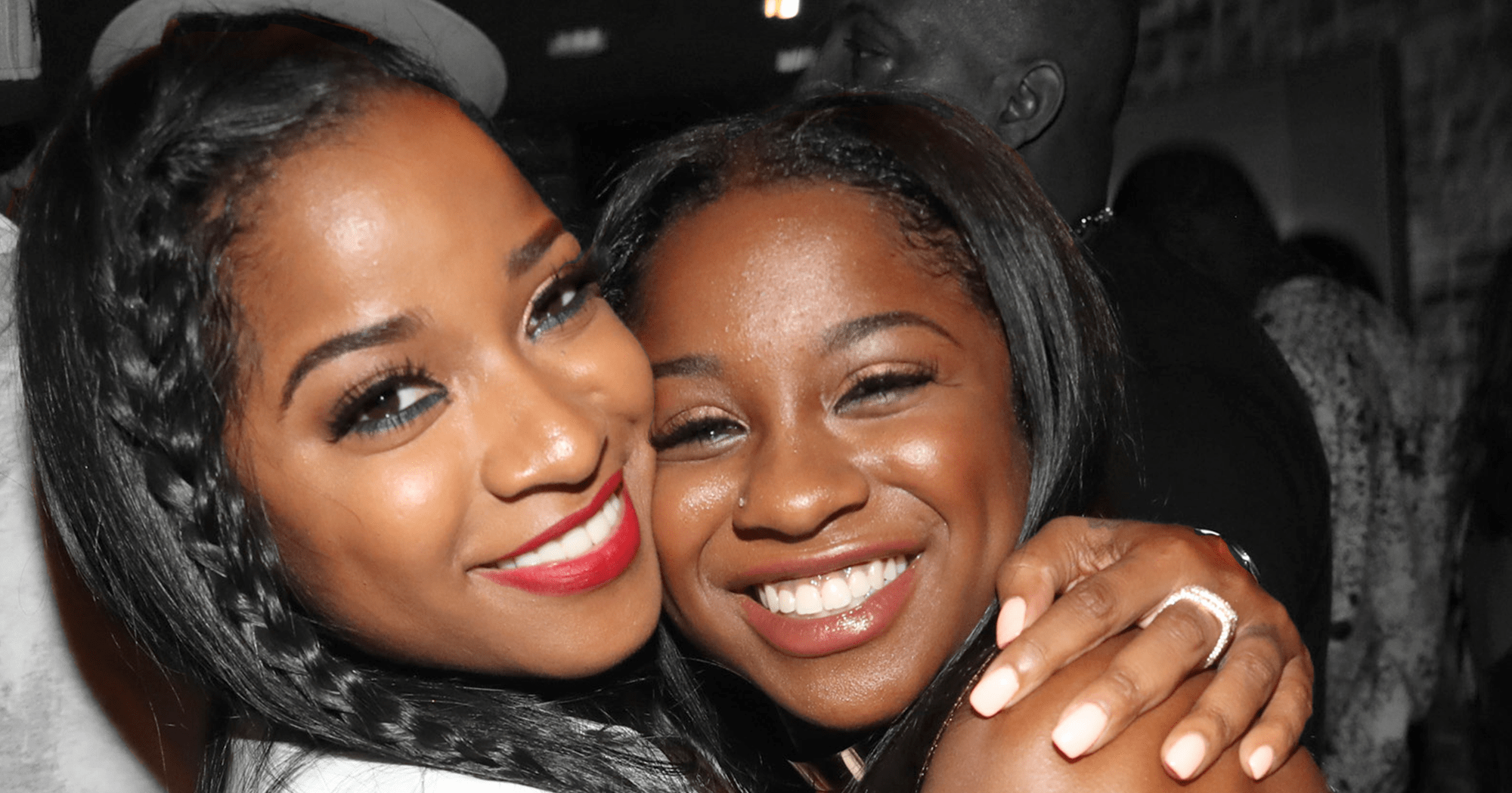 toya-wright-and-reginae-carter-are-slaying-in-the-same-versace-heels-and-handbag-which-look-would-you-rock