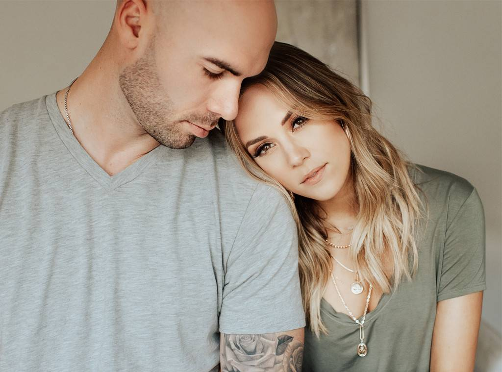 jana-kramer-addresses-her-hot-nanny-comments-after-receiving-backlash