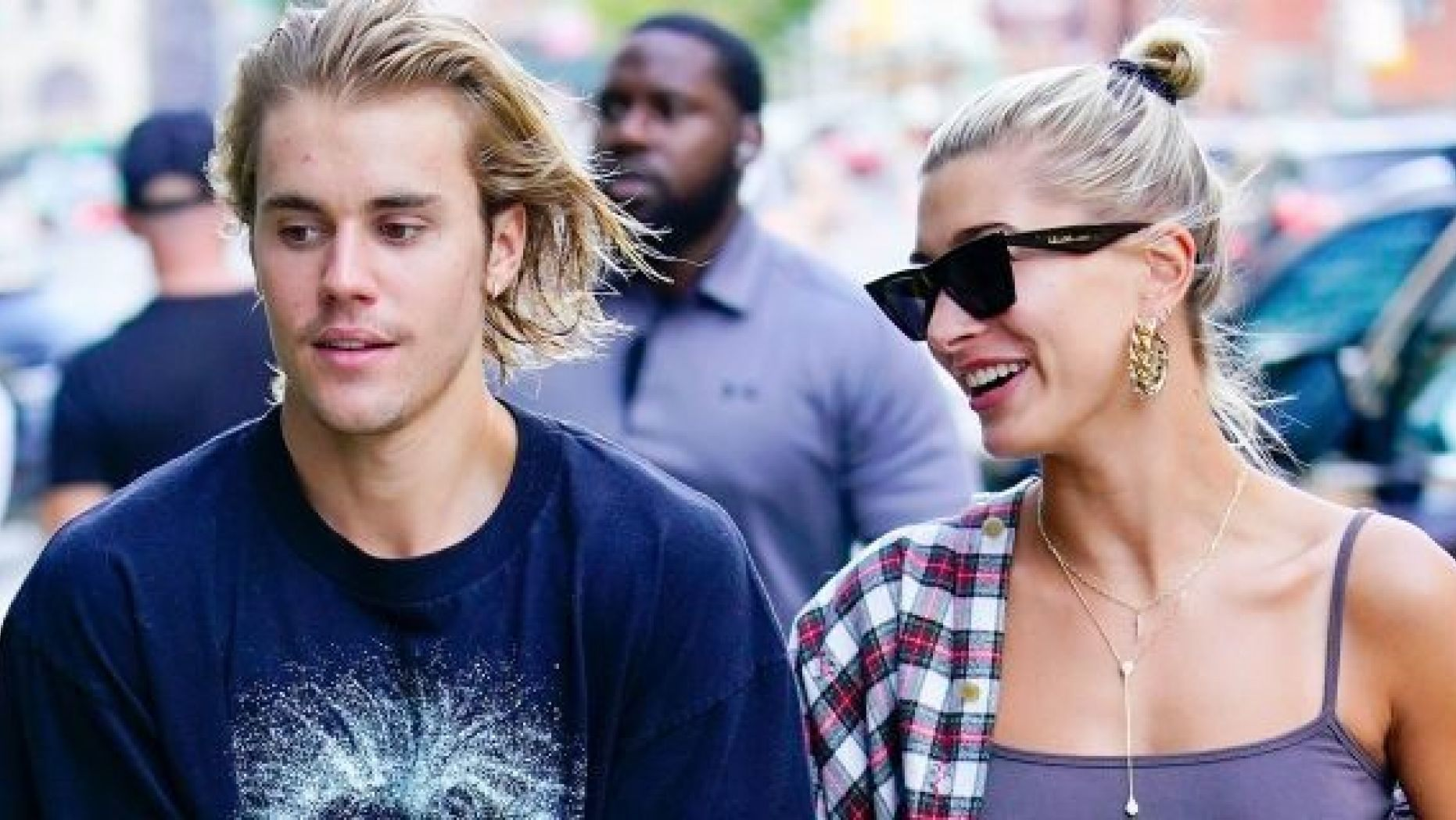 justin-bieber-announces-hailey-is-pregnant-on-april-fools-day-and-fans-arent-having-it