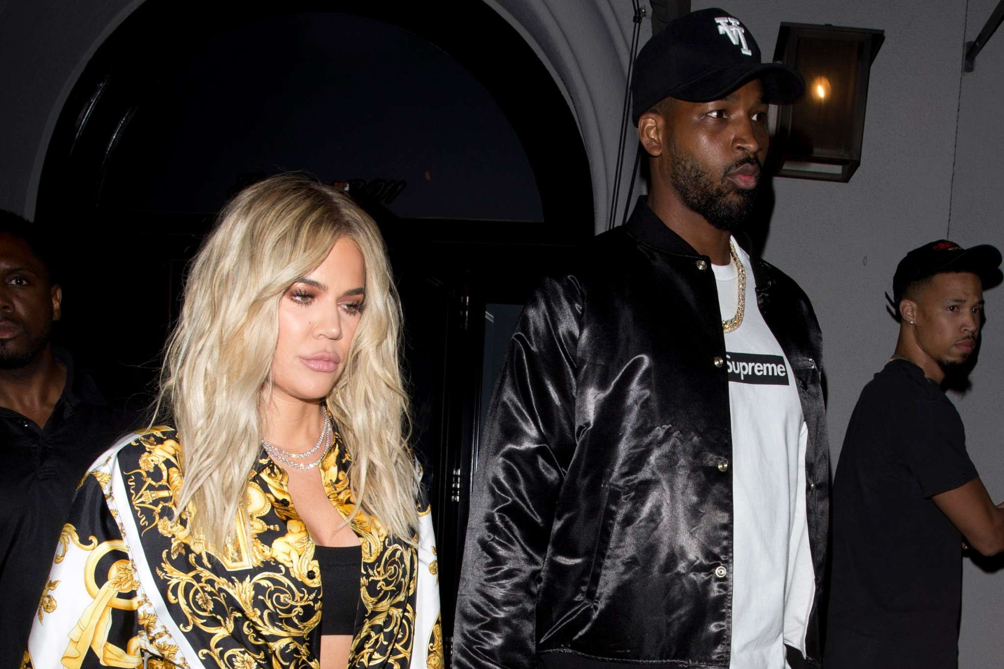 kuwk-khloe-kardashian-and-tristan-thompson-barely-talk-anymore-and-its-only-through-texts-and-their-assistants