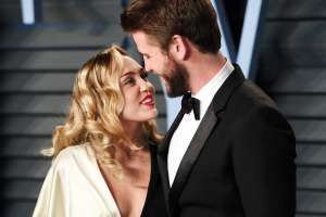 Miley Cyrus Raves About Liam Hemsworth In New Post