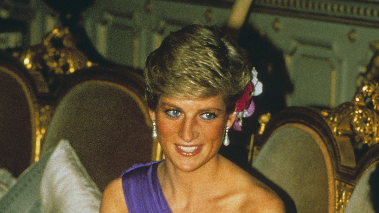 the-crown-finds-its-princess-diana-find-out-whos-going-to-portray-her