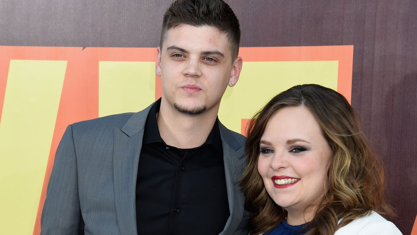 """tyler-baltierra-posts-emotional-message-passionately-defending-wife-catelynn-lowell-from-haters"""